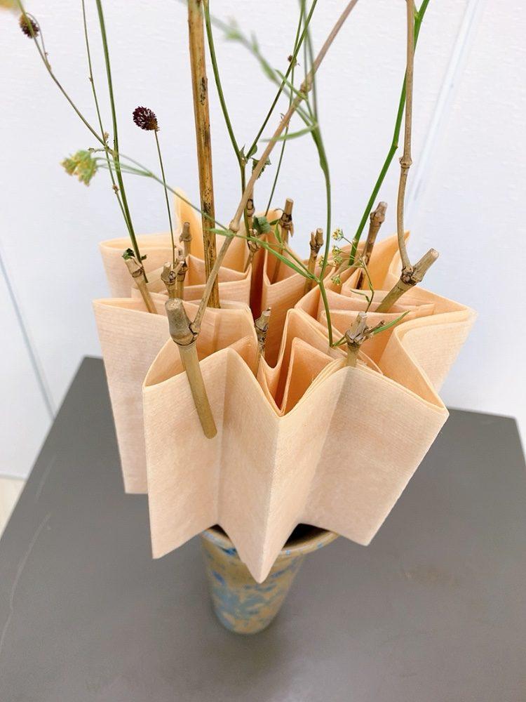 研究科<木のラップのくばり~ジャバラ折りのデザイン~>